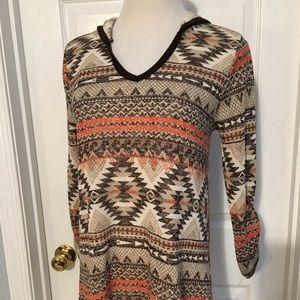 New Directions Weekend Tribal Print Top Sz SMALL